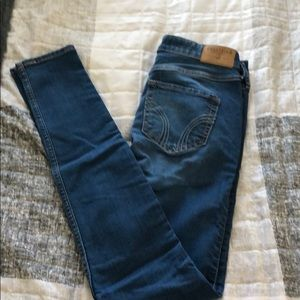 Hollister high rise skinny jean size 25